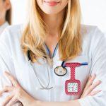 Lancardo Montre Infirmière en Silicone Mouvement Quartz Montre Broche Motifs Imprimés (4.68)