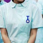 BOOLAVARD Affaire Infirmière de Silicone Docteur Tunique Montre Broche (Tourbillon + Pâle Violet Fleurs)